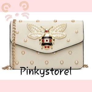 Handbags - 🐝Retro Queen Bee Bag 🐝